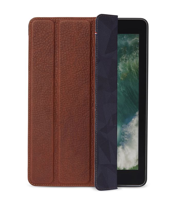 Decoded Leather Slim Cover, brown - iPad 9.7""